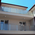 motel-balkony